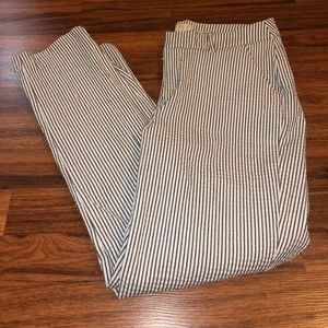 a new day Pants - A NEW DAY STRIPPED PANTS 👖